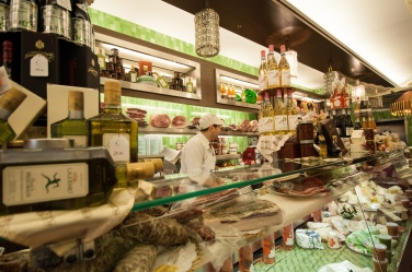 DearWorldTraveler - #1 Thing to do in Italy
